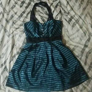 Dresses & Skirts - Pretty Little Dress